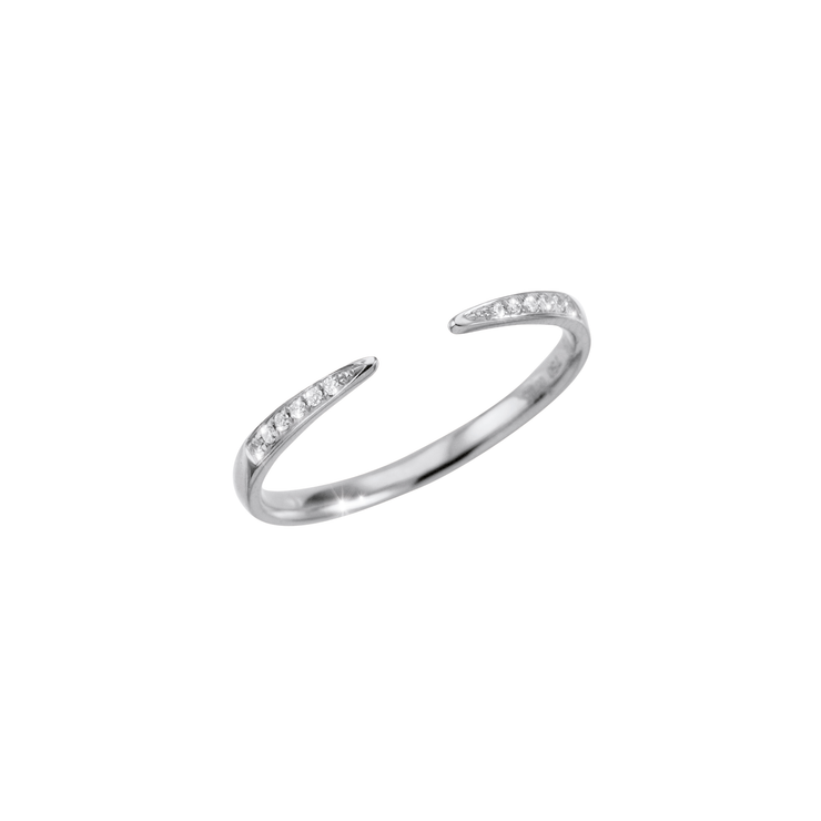 Adorned with precious subtle diamonds and made out of 18k white gold, the Cloe open diamond ring is an excellent choice of everyday diamond jewellery.