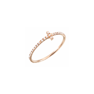 The full circle cross ring is made of 18k rose gold and adorned with 50 sparkling diamonds. Simplicity refined with diamonds by Oliver Heemeyer.