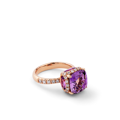 Oliver Heemeyer George Amethyst ring made of 18k rose gold.