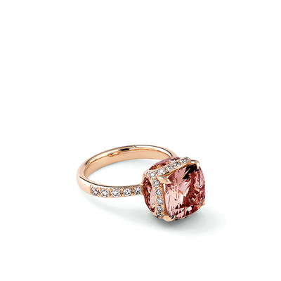 Oliver Heemeyer George Morganite ring made of 18k rose gold.