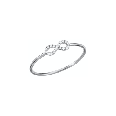 Set with diamonds and made of 18k white gold the Oliver Heemeyer Infinity diamond ring is a sparkling everyday jewellery piece and an adorable present for a loved one or even yourself.