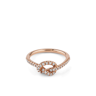Oliver Heemeyer Knot Diamond Ring made of 18k rose gold.