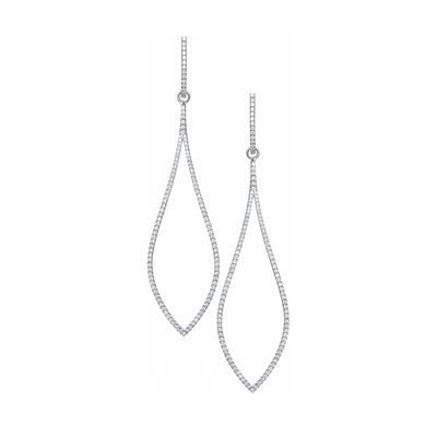 The Oliver Heemeyer 18k white gold Eye earrings artfully arrange 232 diamonds in a fabulous chandelier shape and add a sparkle to every business attire.