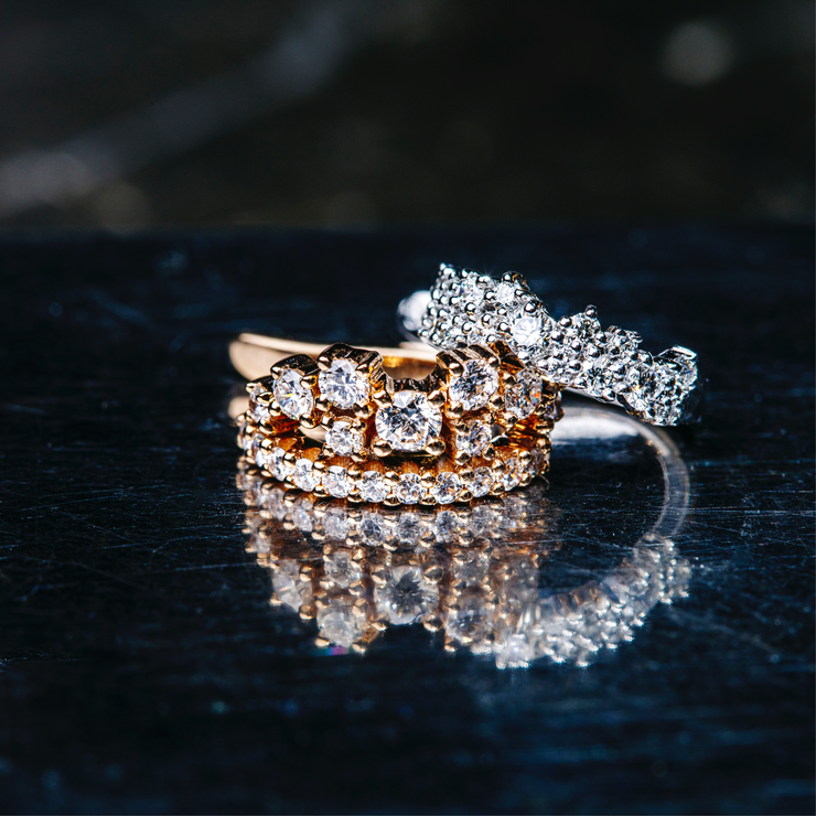 The glamorous 18k rose or white gold princess design is adorned with 18 sparkling diamonds in different sizes. An extraordinary beautiful OH creation, handmade with the highest attention to detail. Different perspective.
