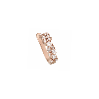 The glamorous 18k rose gold princess design is adorned with 18 sparkling diamonds in different sizes. An extraordinary beautiful OH creation, handmade with the highest attention to detail.