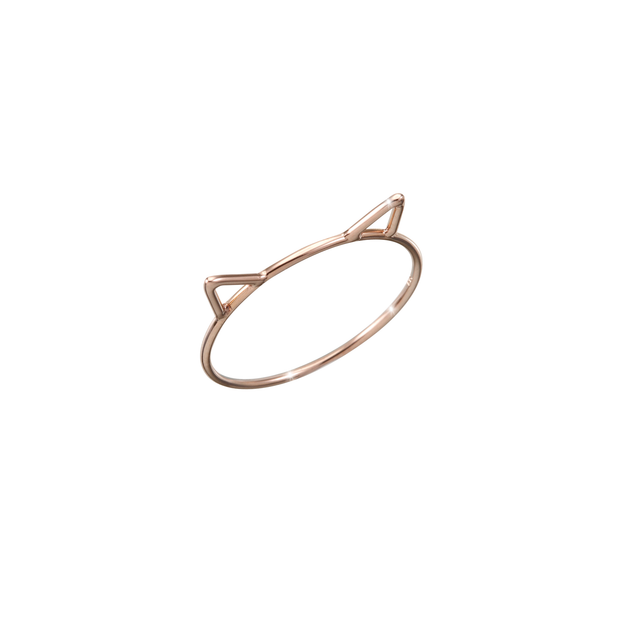 Playful, subtle and discreet in size and design.  Made of 18k rose gold and carefully handcrafted, the Oliver Heemeyer Pure Gold Cat ring is a charming present for loved one or yourself.