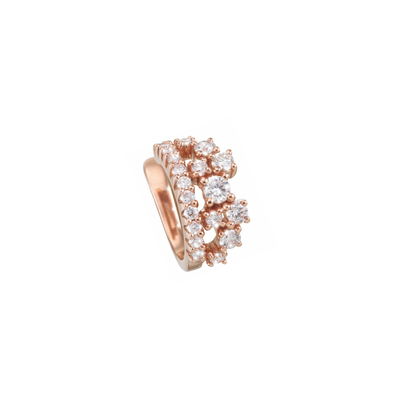 This stunningly beautiful ear cuff shines bright like a little crown.  Get yourself a bit of royal feeling with this 18k rose gold ear cuff. Carefully handcrafted by our goldsmiths and refined with 40 sparkling diamonds it is an eye catcher which cannot be missed.