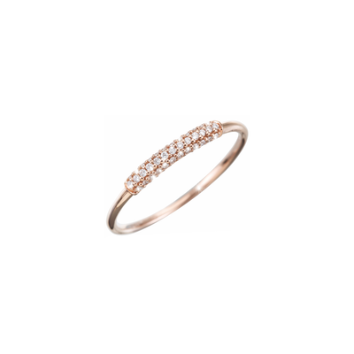 Add a discreet sparkle to your outfit with this subtle diamond ring from Oliver Heemeyer. Made of 18k rose gold and refined with small sparkling diamonds.