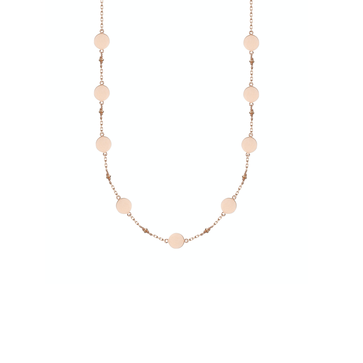 This 18k rose gold necklace is set with 9 golden tags. Easy on the neck it is a shinny everyday jewellery piece of the Oliver Heemeyer Pure Gold collection.