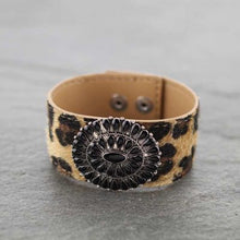 Load image into Gallery viewer, Leopard Leather Black Concho Bracelet