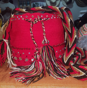 Small embellished red Wayuu bag - Kate Diaz