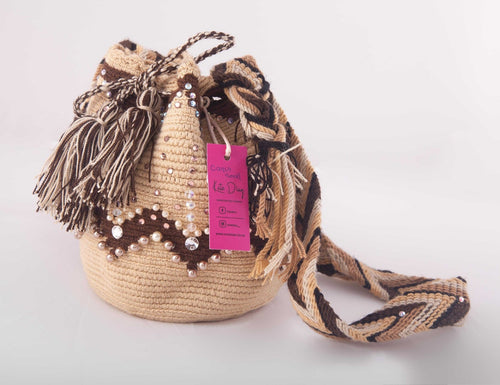 Small embellished beige Wayuu bag - Kate Diaz