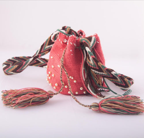 Small embellished guava Wayuu shoulder bag - Kate Diaz