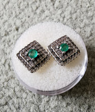 Load image into Gallery viewer, Emeralds and silver squared earrings - Kate Diaz