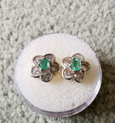 Emeralds and silver petals earrings - Kate Diaz