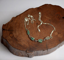 Load image into Gallery viewer, Raw emeralds chain - Kate Diaz