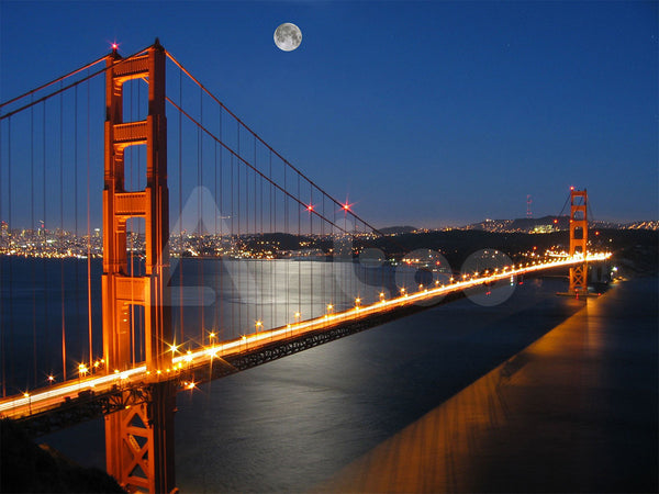 舊金山金門大橋 At Moon Light, from Marin County, California