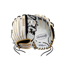 "Load image into Gallery viewer, Wilson A2000 H12 12"" Infield Fastpitch Glove - Right Hand Throw"
