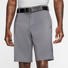 Load image into Gallery viewer, Nike Flex Men's Golf Shorts.