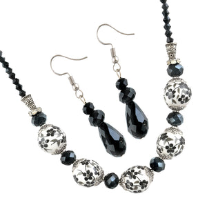 EARLS COURT NECKLACE AND EARRING SET