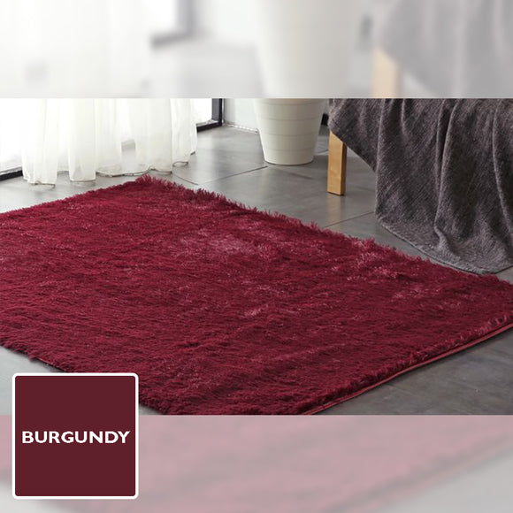 BURGUNDY SHAGGY RUG