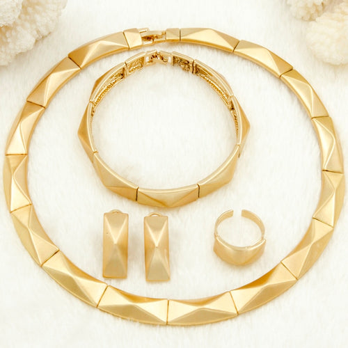Trendy Gold Necklace Jewelry Set