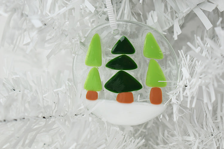 Glass Christmas tree ornament (10GR919)