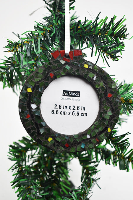 Wreath picture frame ornament (11AR719)