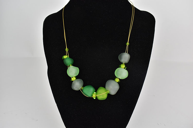 green faceted glass bead necklace (11GR919)