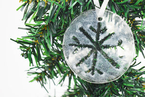 Snowflake fused glass ornament (12GR1519)