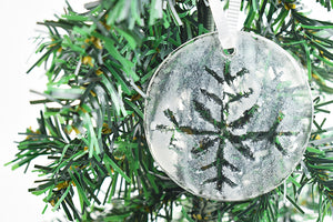 Snowflake fused glass ornament (12GR1919)