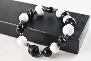 Black and White Bracelet (1GR8017)