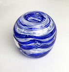Blue and White Paperweight (6GR519)