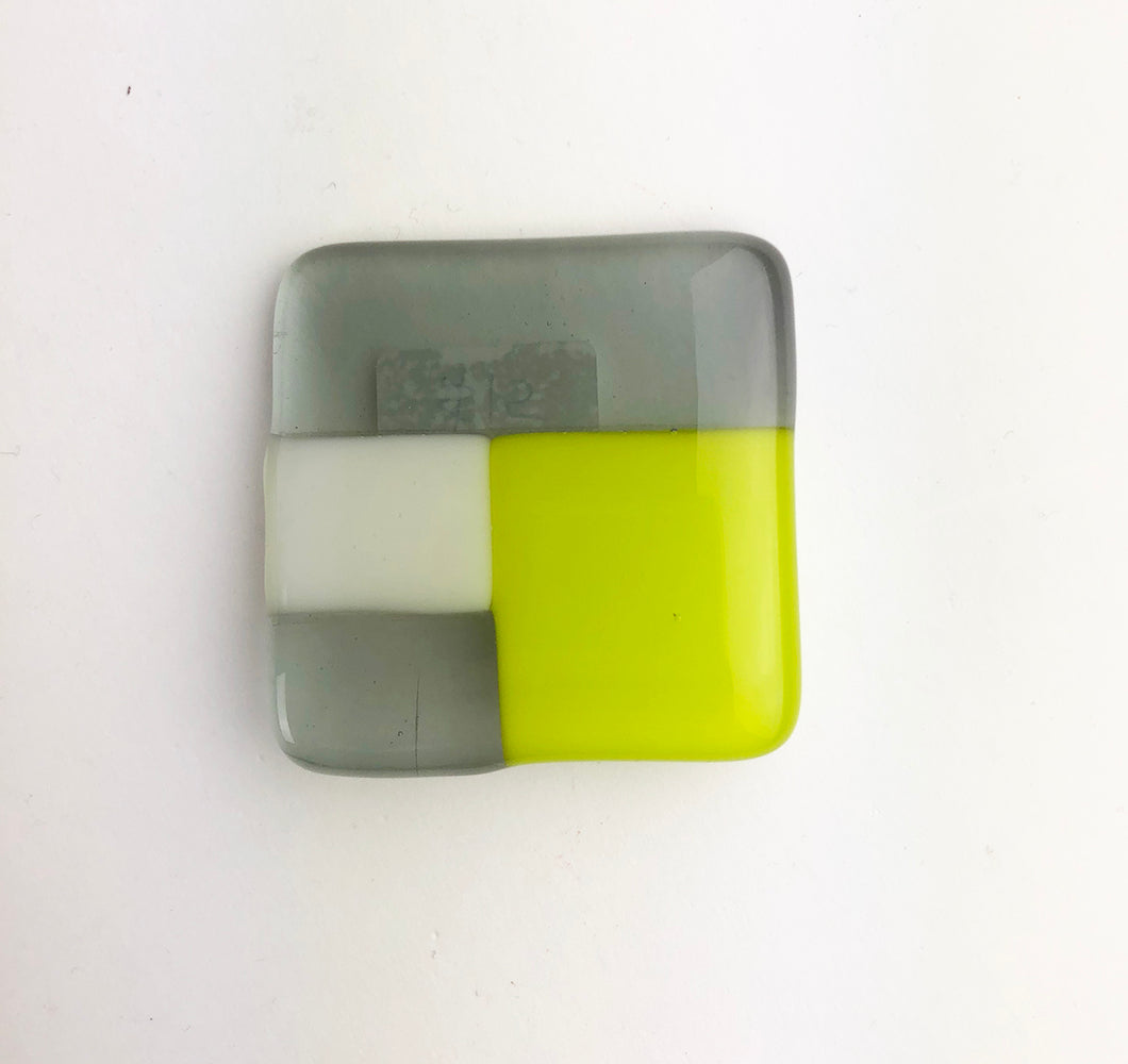 Fused Glass Pin Modern (6GR818)