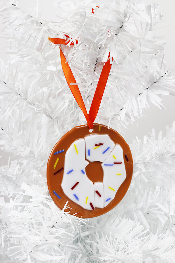 Donut fused glass ornament (11GR1417)
