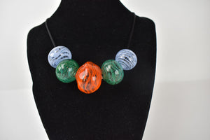 Swirled blown glass bead necklace (10LT319)