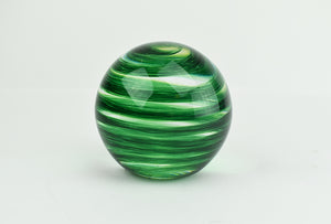 Green paperweight (9GR1319)