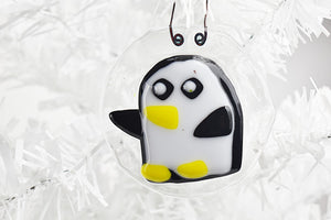 Penguin fused glass ornament (10GR1518)