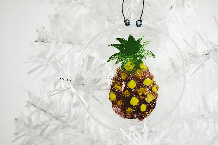 Pineapple fused glass ornament (2YG416)