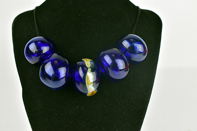 5 blown cobalt glass bead necklace (11LT1819)