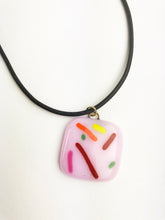 Load image into Gallery viewer, Donut Pendant (1YG120)