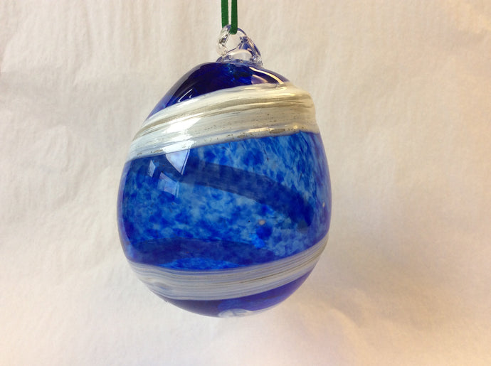 Handblown Blue and White Ornament (8GR1620)