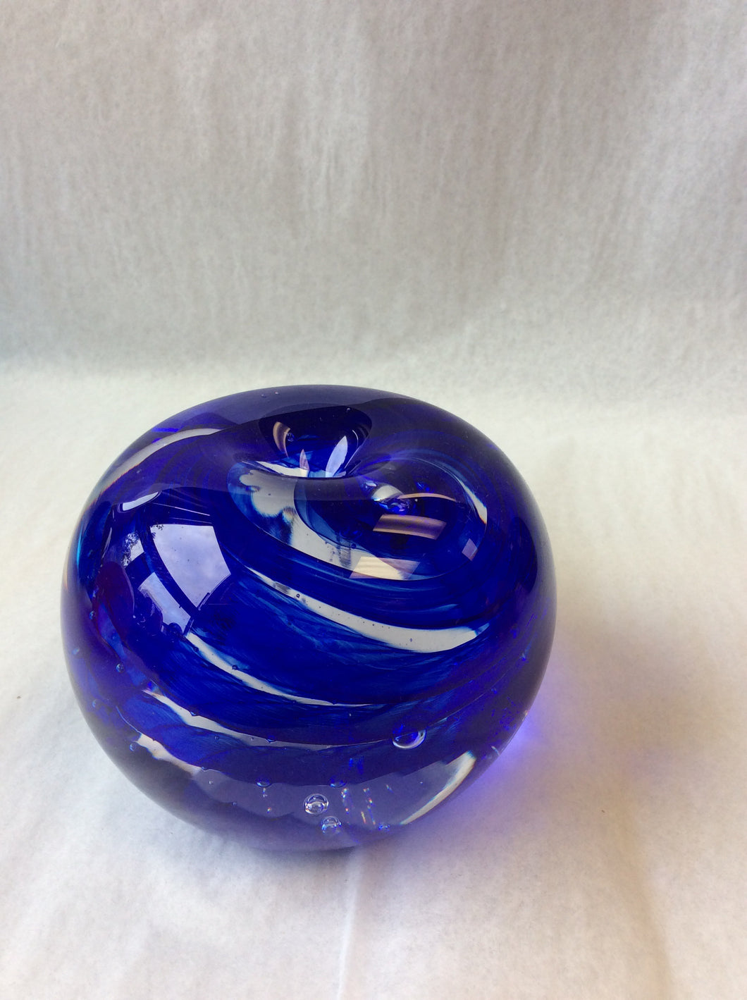 Blue Apple Paperweight (8GR820)