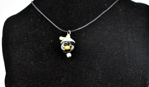 Penguin glass bead necklace (11AR2518)
