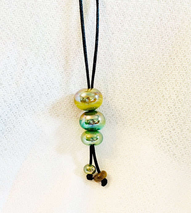 Green Iridescent Lariat Style Necklace  (5LT320)