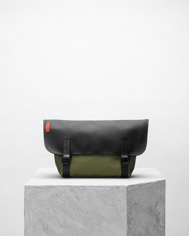 Pacer 防潑水郵差包 - Backpacks & Bags - Inspired by Rock-climbing - Topologie Taiwan