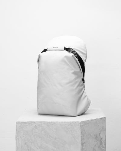 Multipitch防潑水簡約背包/ 大 / 白色 - Backpacks & Bags - Inspired by Rock-climbing - Topologie Taiwan
