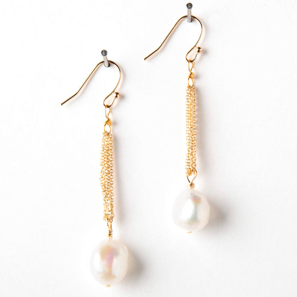 Amelia Earrings - Pearl