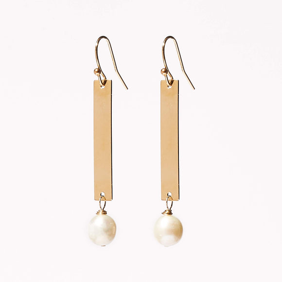 Ashley Earrings - Pearl
