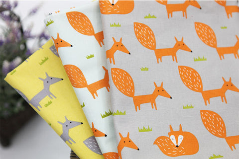 (NEW!) Fox Fabric, Fox Oxford Cotton Fabric, Animal Print Fabric - Gray, Mint Sky or Yellow - By the Yard 92942